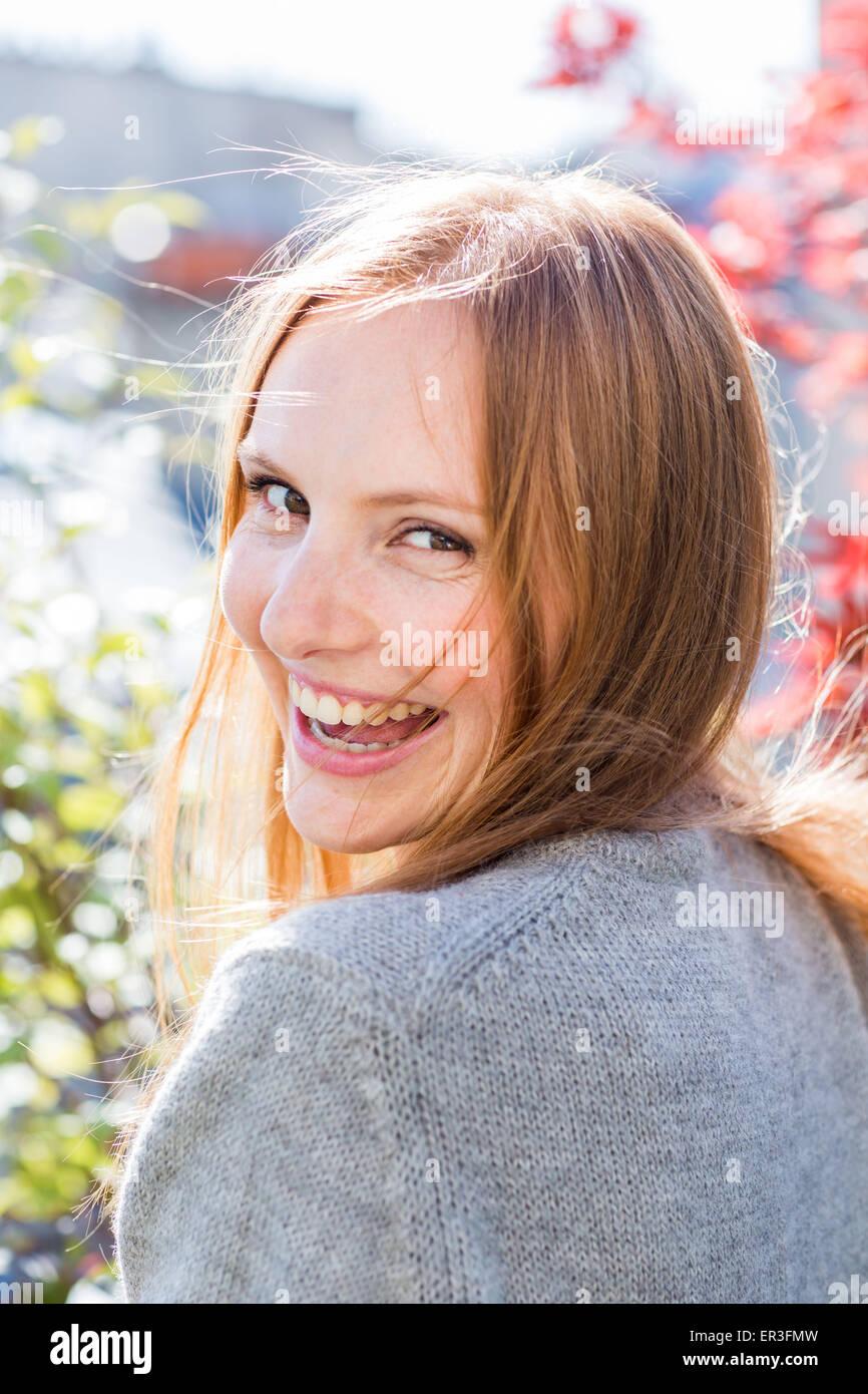 Portrait d'une jeune femme. Photo Stock