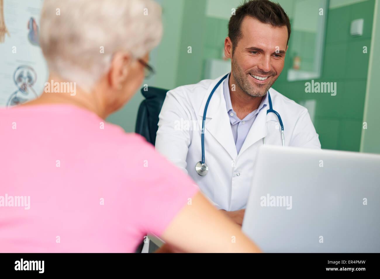 Visites en ce médecin sont toujours plaisir. Debica, Pologne Photo Stock
