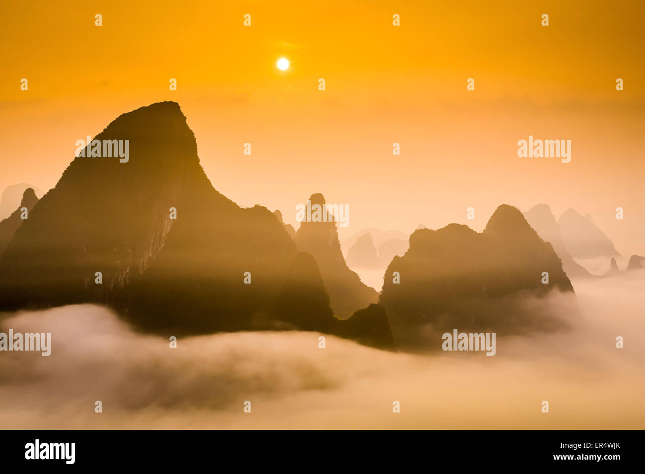 Montagnes karstiques de Guilin, Chine. Photo Stock
