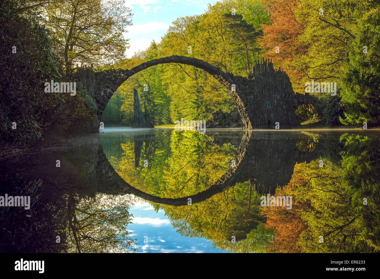 Rakotzbrücke ou pont Teufelsbrücke en Kromlau Kromlau, Park, New Jersey, United States Banque D'Images