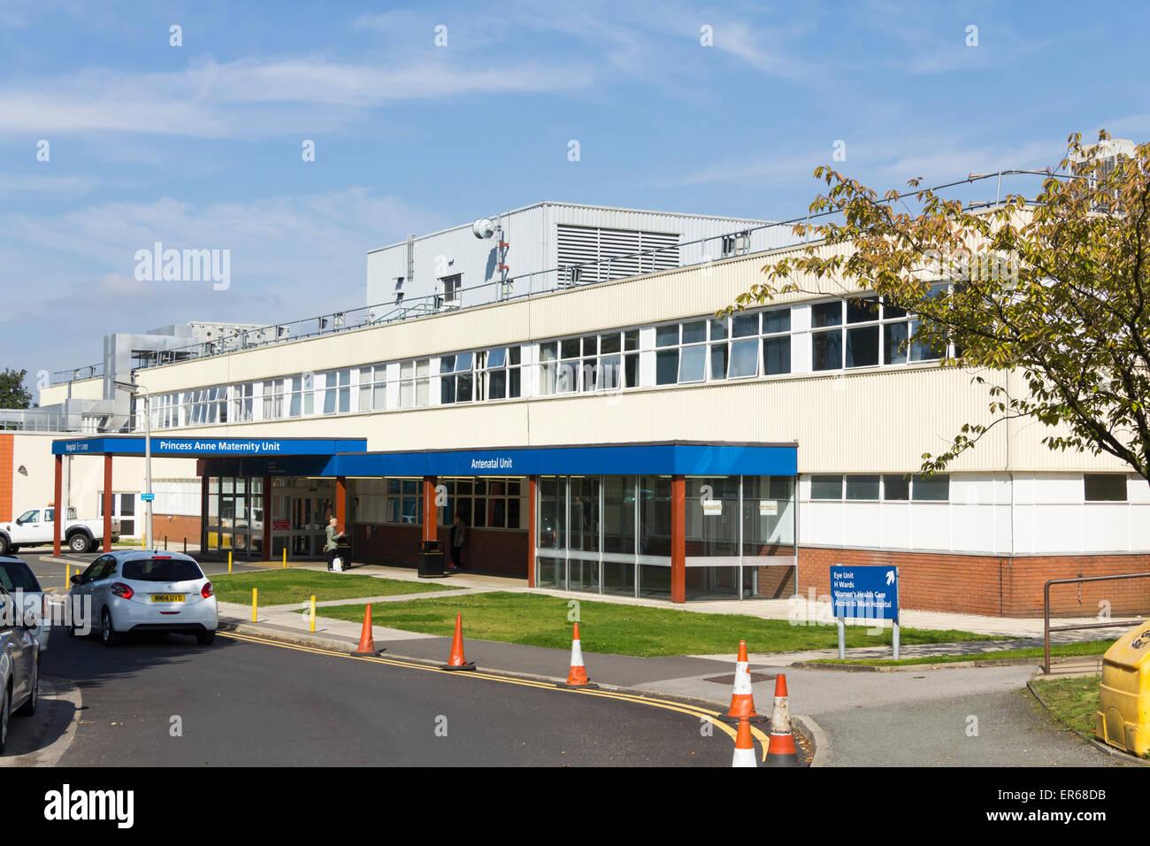 Entrée de la maternité de la princesse Anne à l'Hôpital Royal de Bolton, Lancashire. Photo Stock