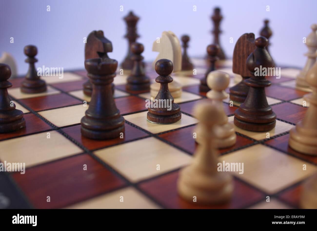 Jeu d'échecs. Pièces d'échecs sur un échiquier Banque D'Images