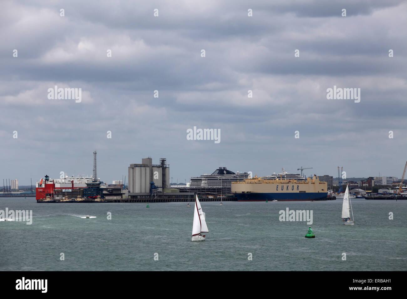 En tête de quai du port de Southampton Photo Stock