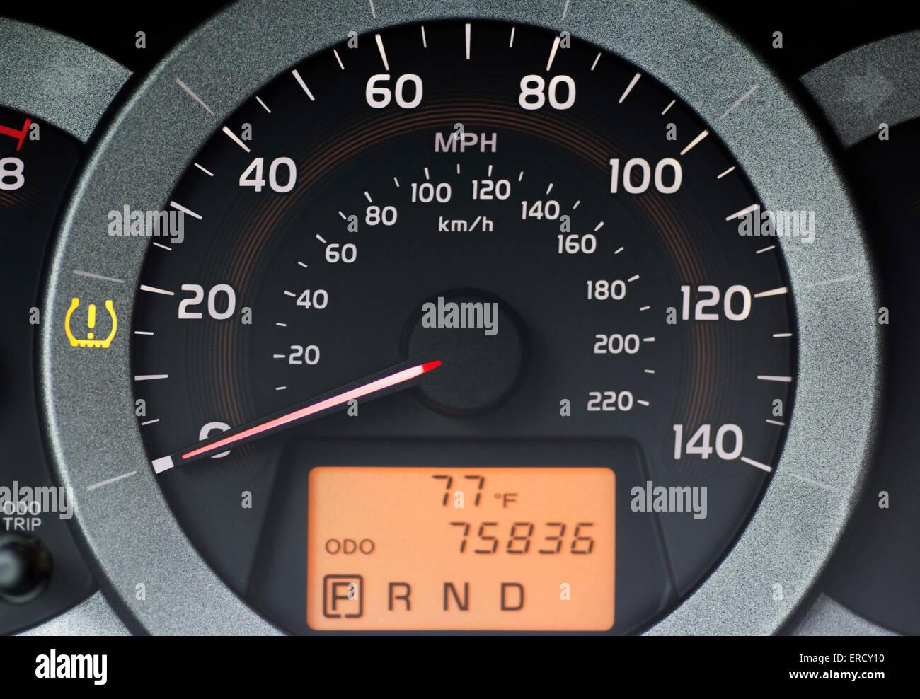 Un système de surveillance de la pression des pneus (TPMS) est un système  électronique conçu pour contrôler la pression de l air à l intérieur de l   ... 2d6db8238f81
