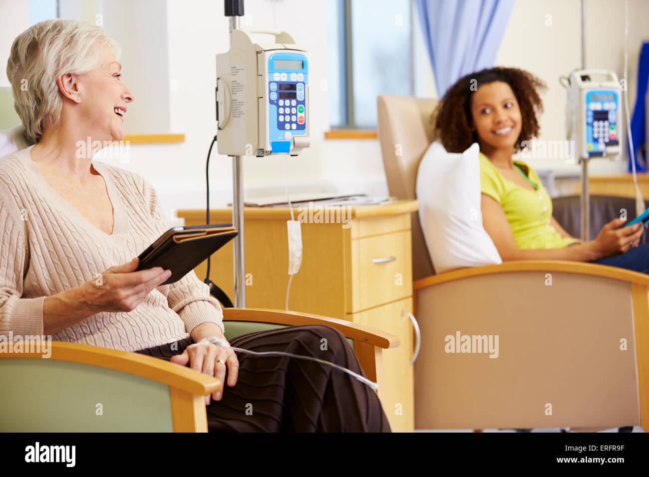 Les patients subissant un traitement de chimiothérapie Banque D'Images