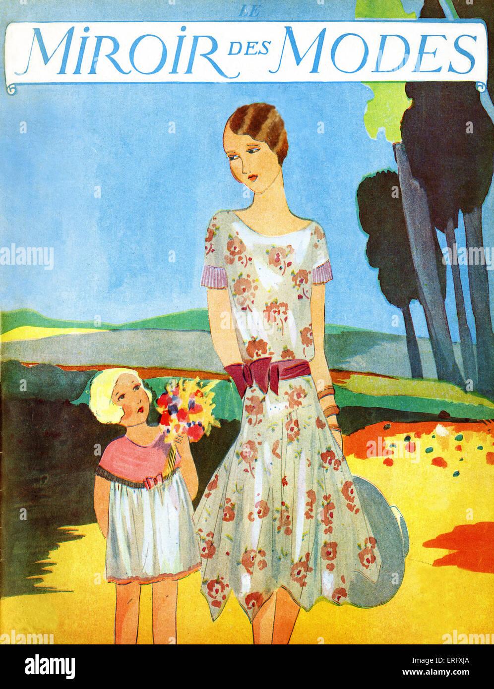 Le Miroir des modes d'avril 1928 magazine de mode. Mère avec chapeau et de l'enfant avec bouquet de Photo Stock