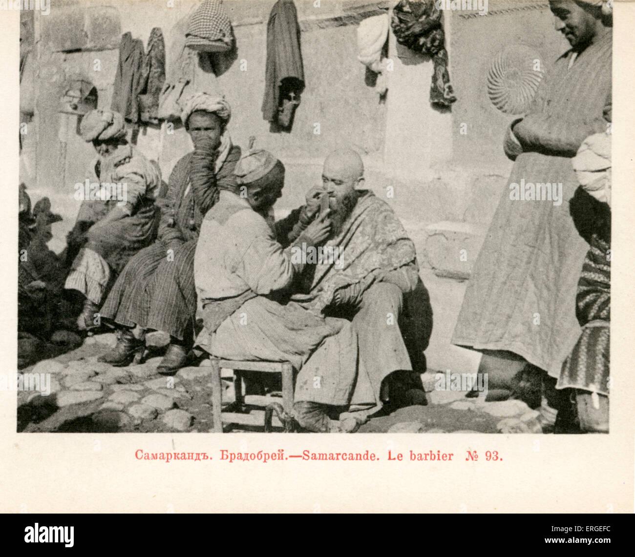 Salon De Coiffure Qui Exerce Son Art Dans Les Rues De Samarkand Ch