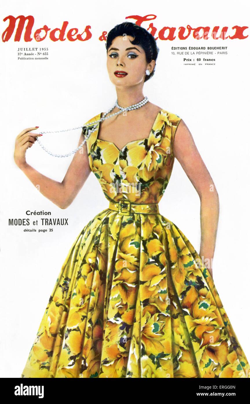 'Modes et Travaux' - magazine de mode, capot avant. Publié en juillet 1955. Photo Stock