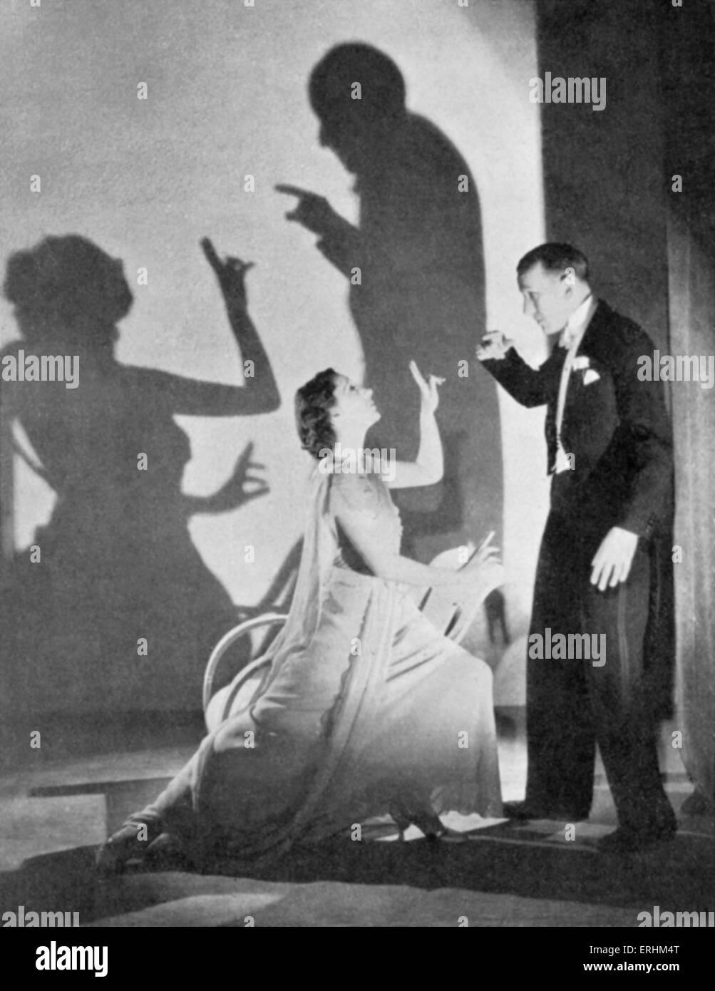 Noel Coward & Gertrude Lawrence dans 'Shadow', 1936. NC, acteur, dramaturge, et compositeur: 16 Photo Stock