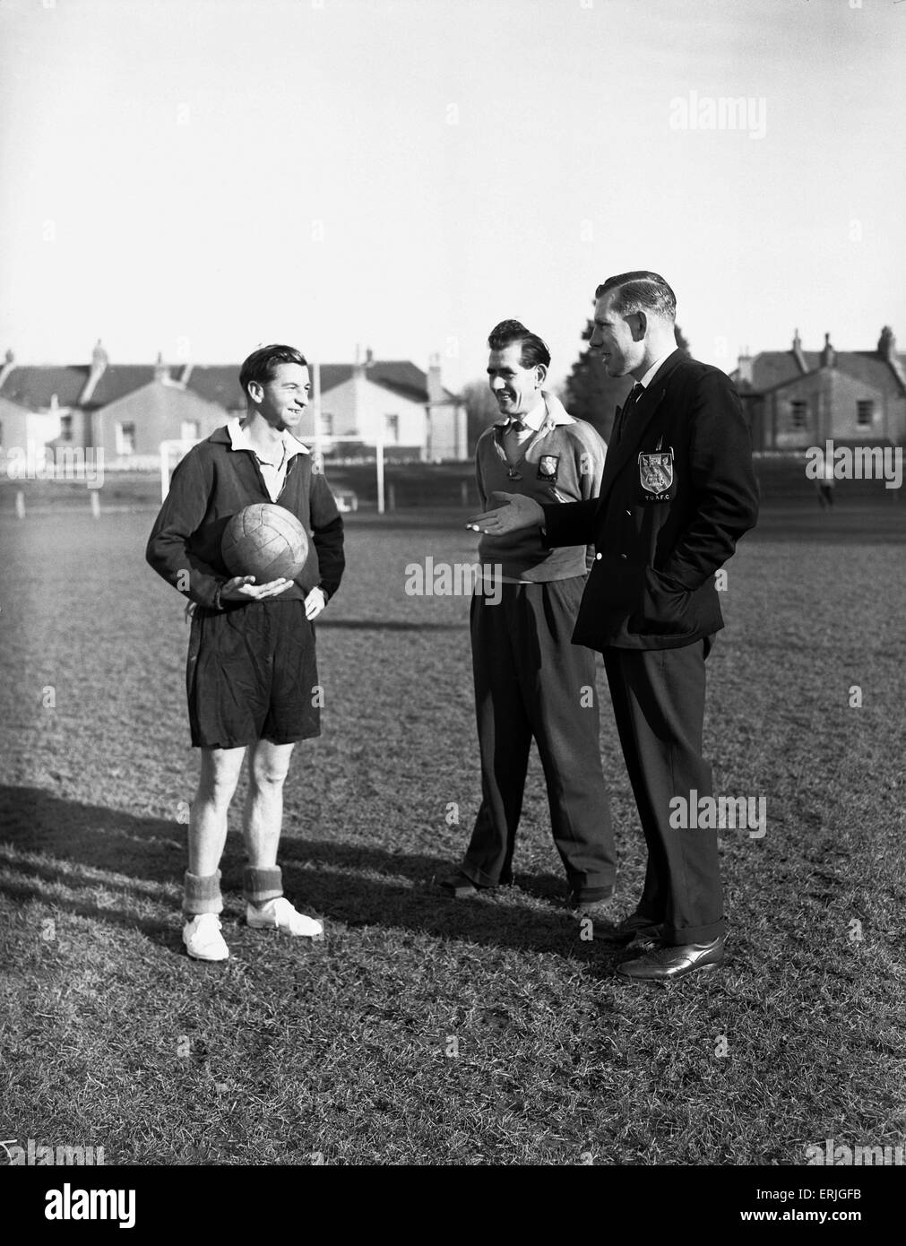 Torquay United Football Sam Collins lors d'une session de formation. 15 novembre 1956. Photo Stock