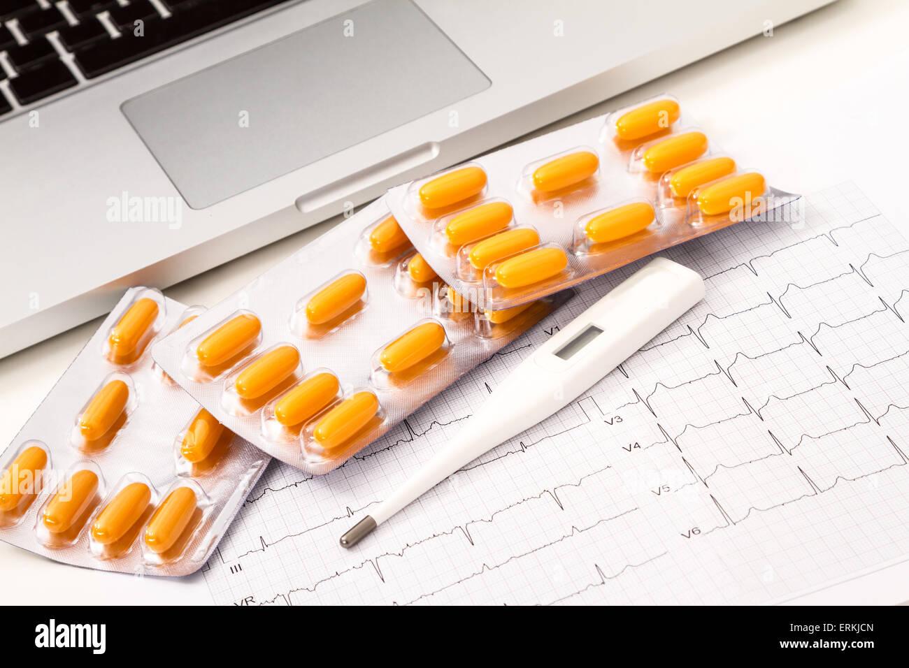 Un traitement médical pour une maladie cardiaque Photo Stock