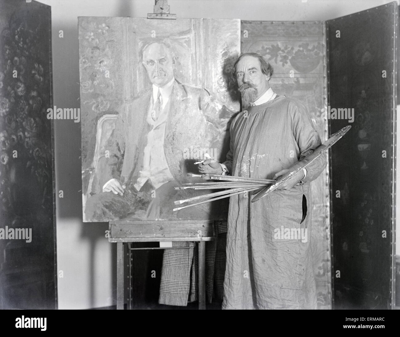 12/6/1928 Antique photo, peintre anglais Augustus John paints gouverneur du Massachusetts Alvan Tufts Fuller. Edwin Photo Stock
