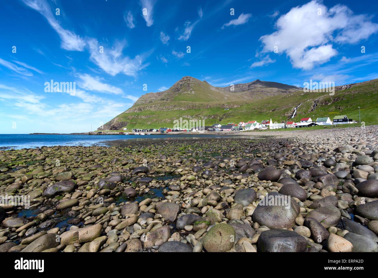 Plage de galets d'Famjin, Suduroy, Îles Féroé Photo Stock