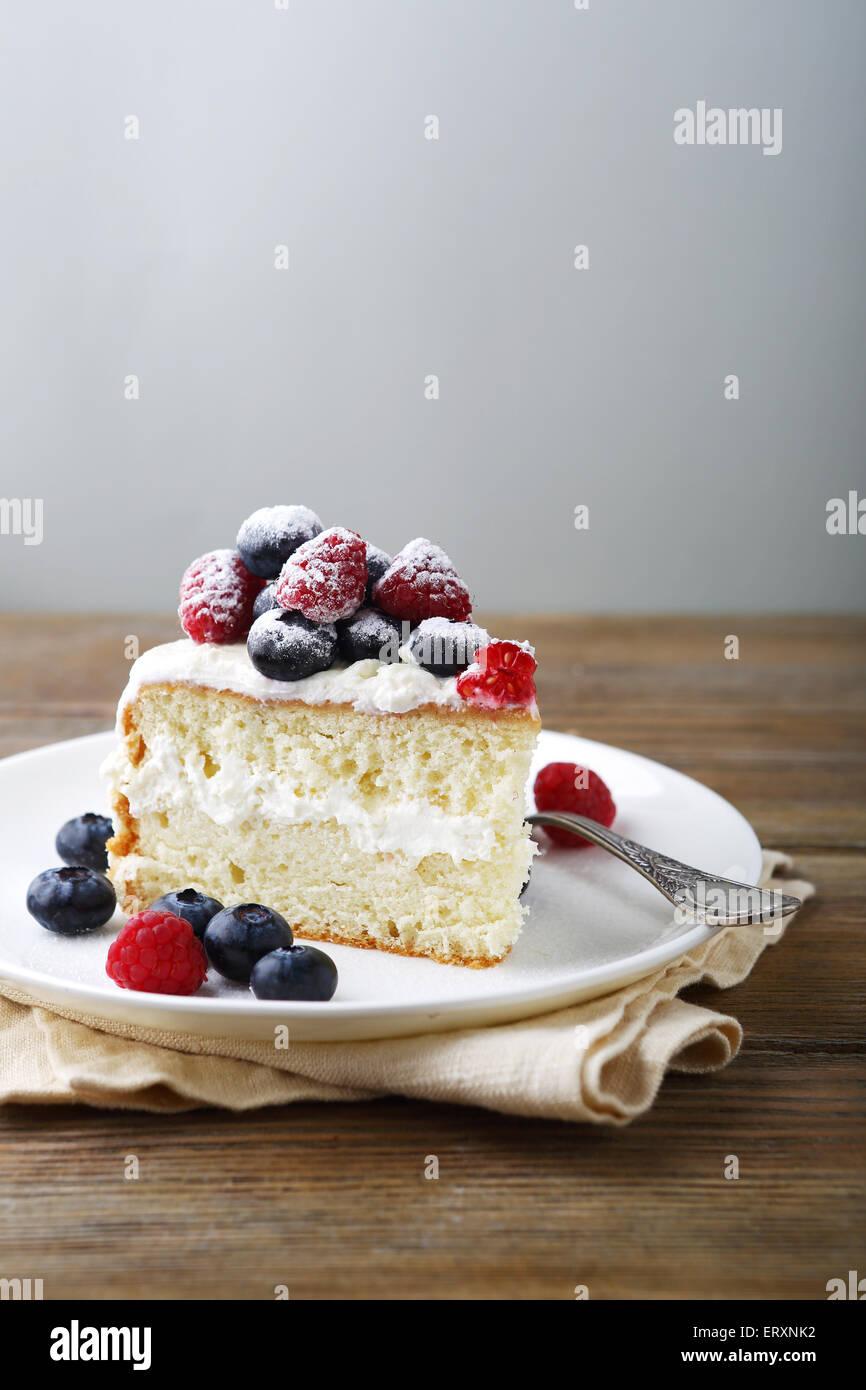 Cake aux fruits rouges, la nourriture bonne Photo Stock