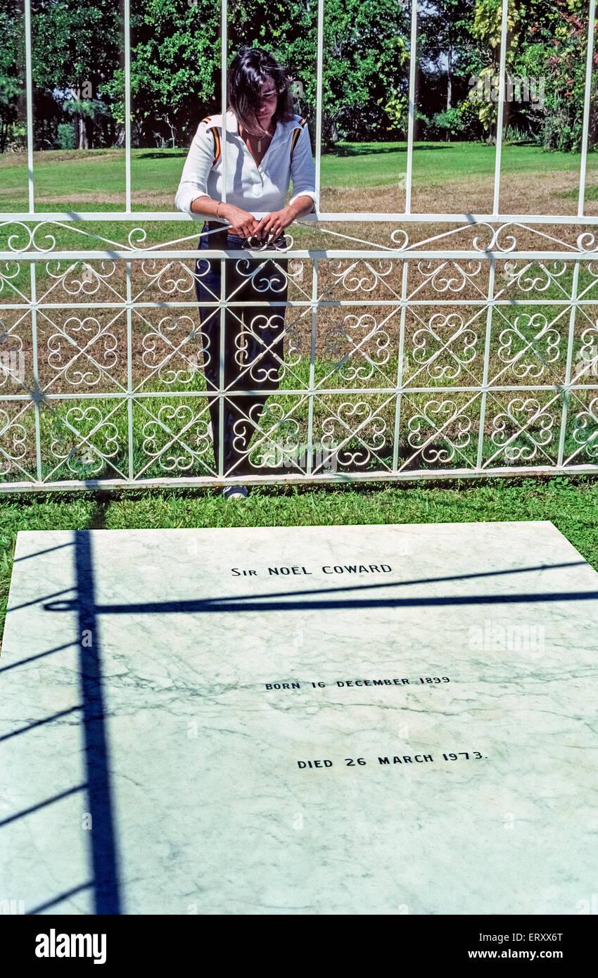 La tombe d'origine britannique, Noel Coward -- l'un des plus intelligent, des flamboyants, des hommes célèbres Photo Stock