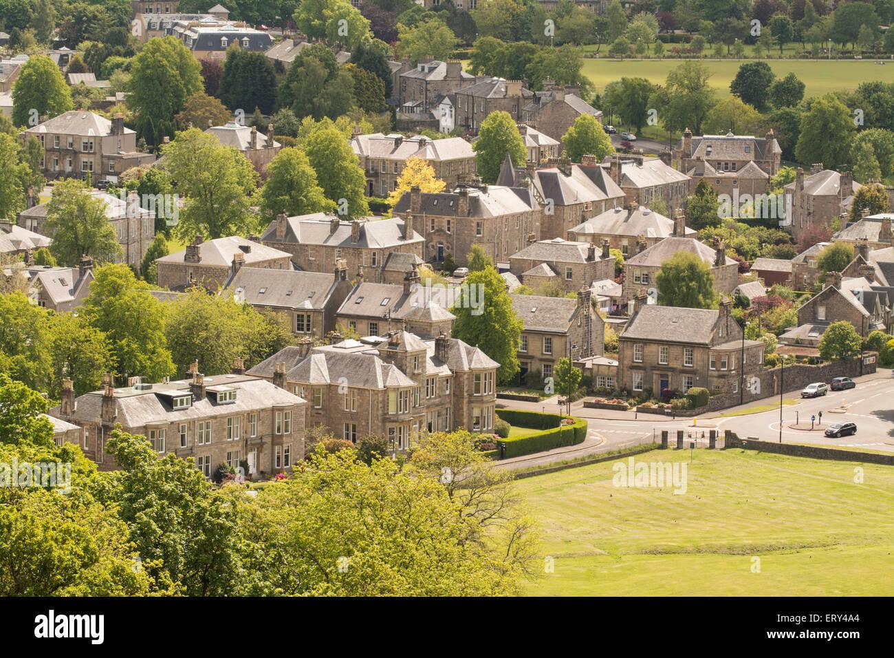 Maisons victoriennes et édouardiennes dans le parc du roi et le domaine de Stirling, Scotland, UK Photo Stock