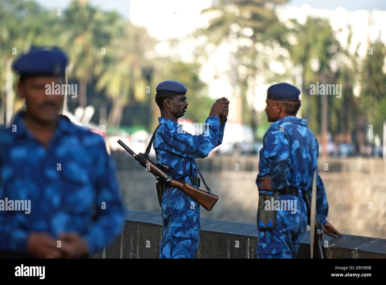 Force d'action rapide commandos taking photo après une attaque terroriste par deccan mujahedeen dans Bombay Photo Stock