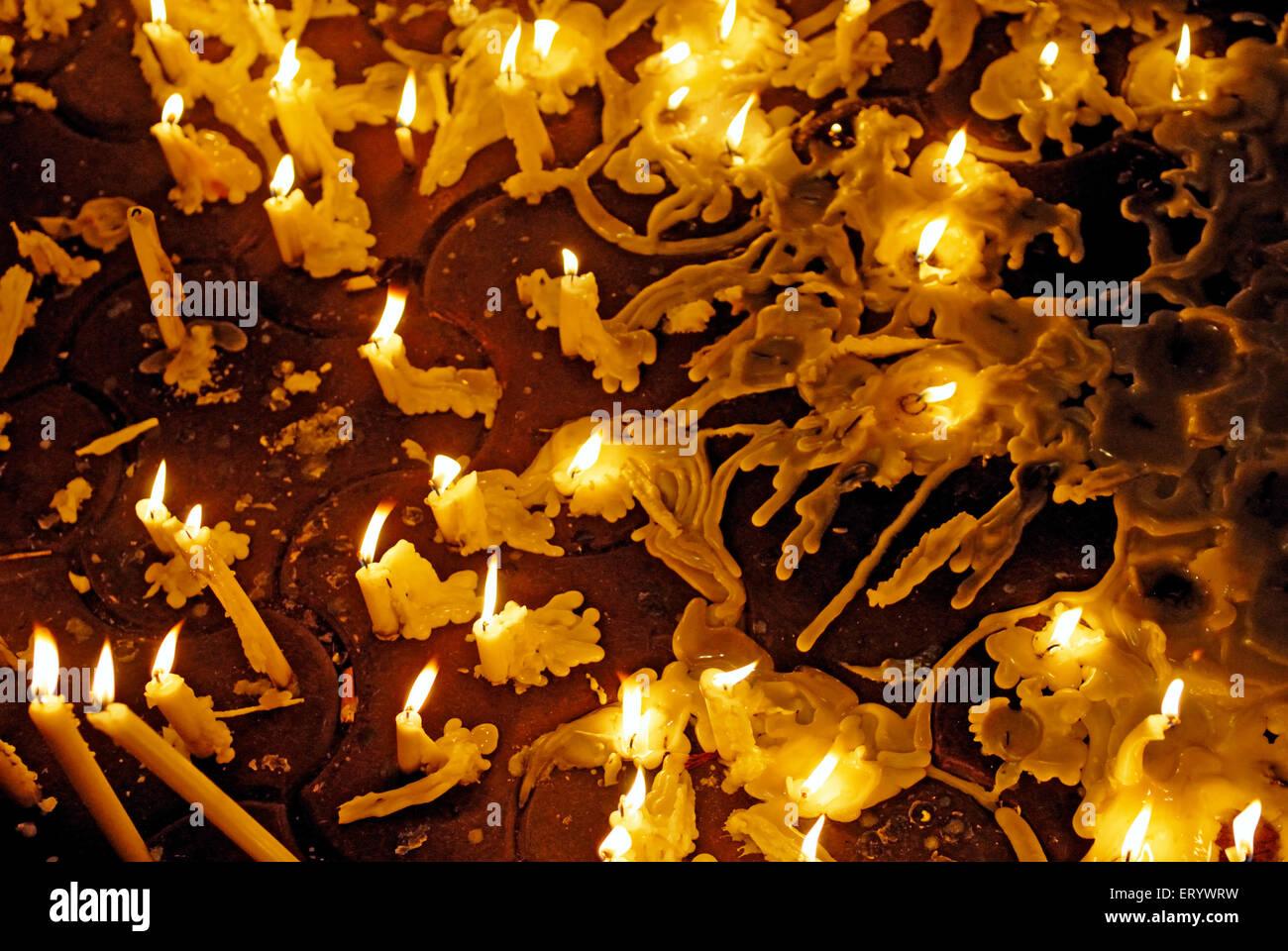 Bougies d'éclairage dans la mémoire de la terreur; attaque; Bombay Mumbai Maharashtra; Photo Stock