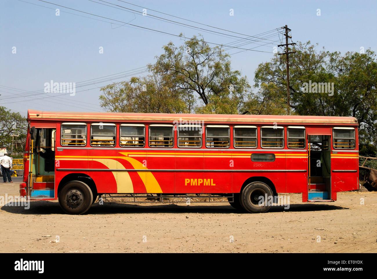Nouveau bus de transport Municipal Corporation au village; Kanchan Urli Pune Maharashtra; Inde; Photo Stock