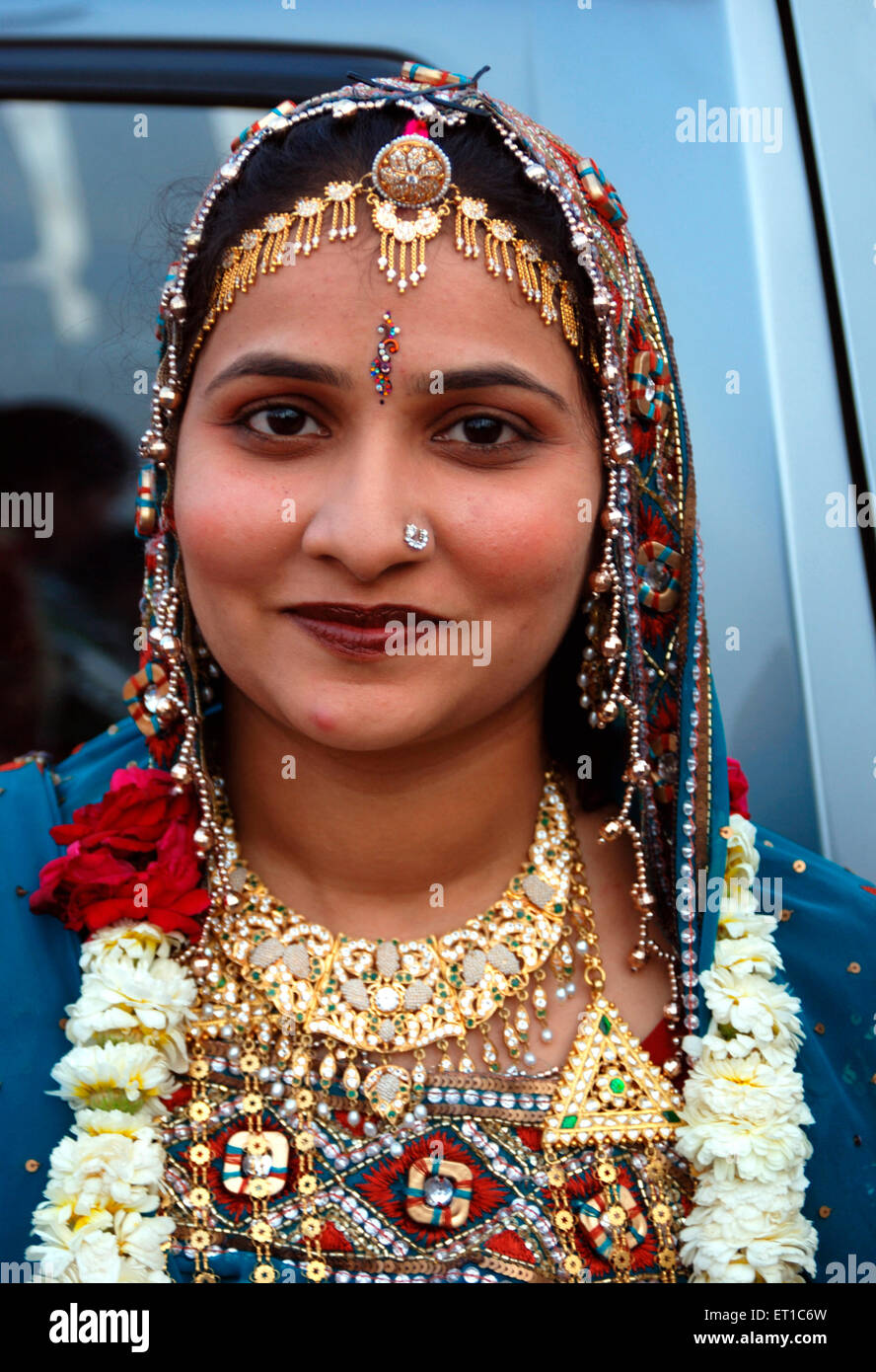 Marwari Rajasthani woman in traditional dress ; Jodhpur Rajasthan Inde ; ; PAS DE MR Banque D'Images