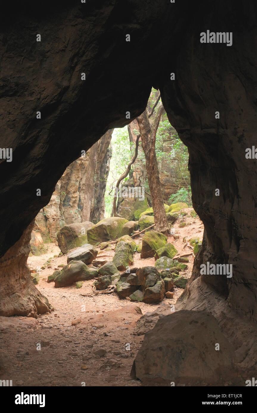 Phénomène entrée avec roches massives; Reechgarh; Pachmarhi; Madhya Pradesh; Photo Stock