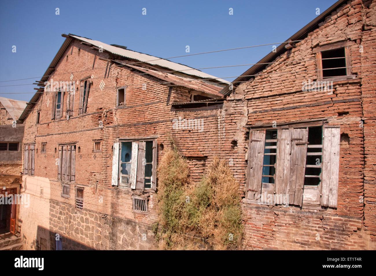 Vieille maison délabrée briques à ahmadnagar Maharashtra Inde Asie Photo Stock