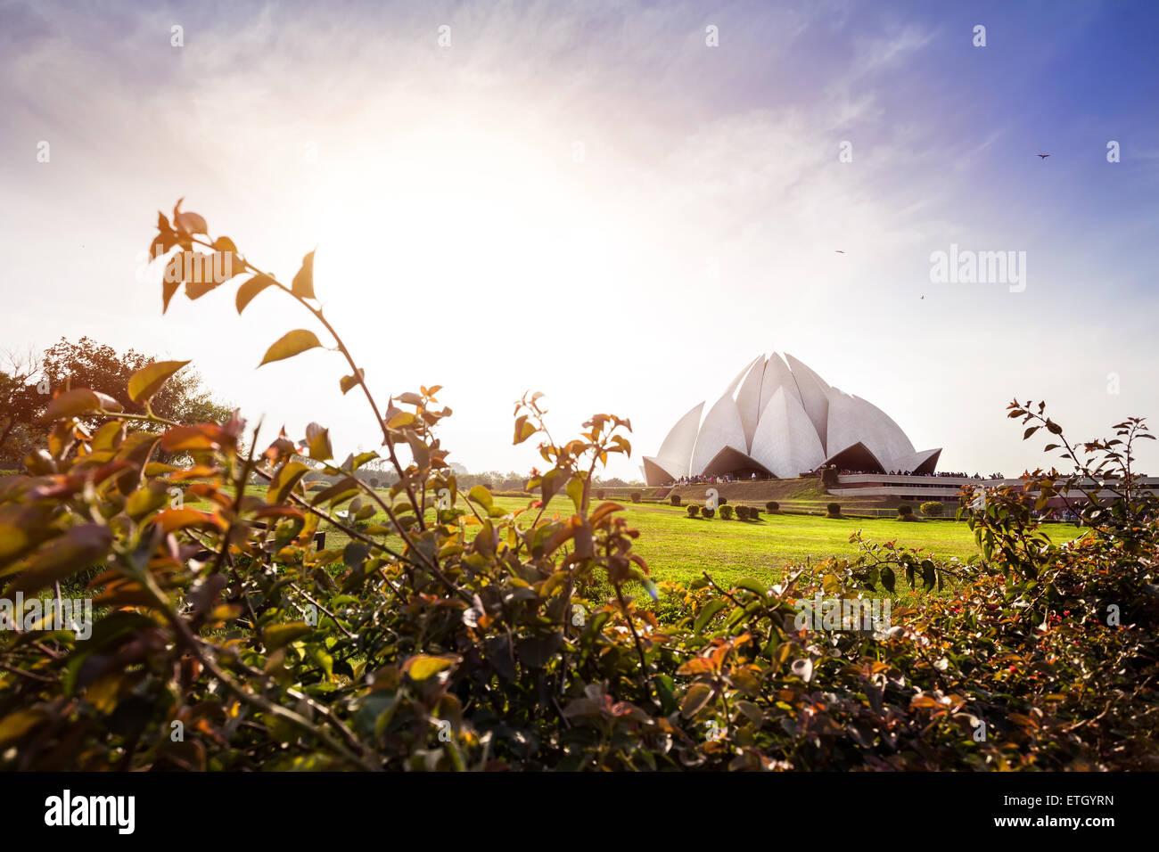 Temple du Lotus au coucher du soleil à New Delhi, Inde Photo Stock