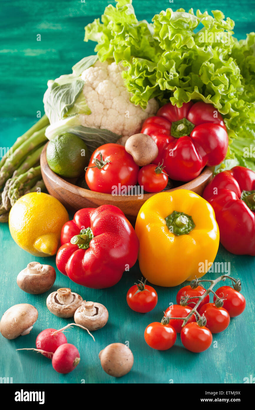 Poivre tomate légumes Laitue Chou-fleur oignon avocat Photo Stock