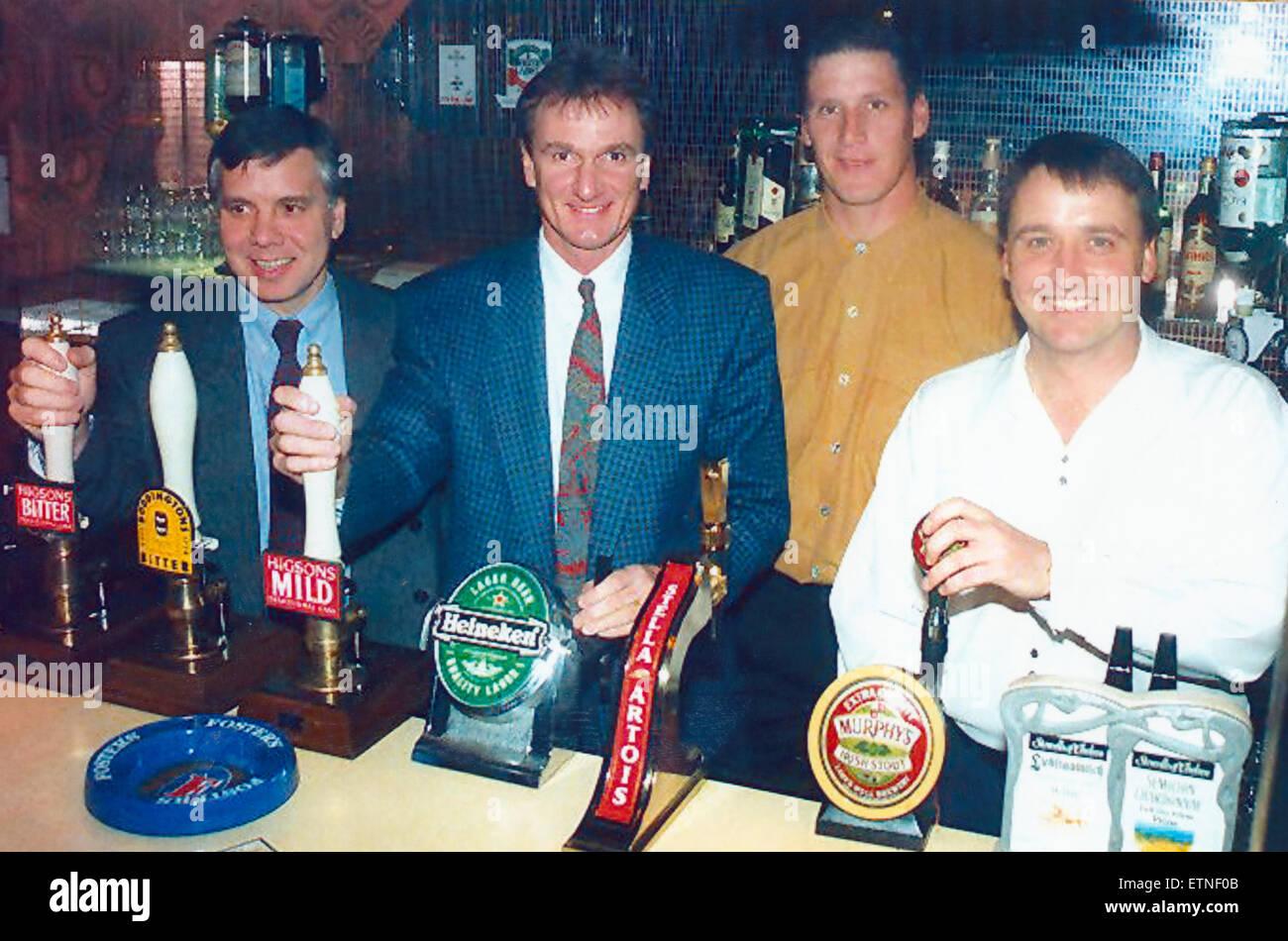 L'Écho Higsons panneau football Ligue, de nouveau sur la route. 12 novembre 1994. Cette fois, s'adressant Photo Stock