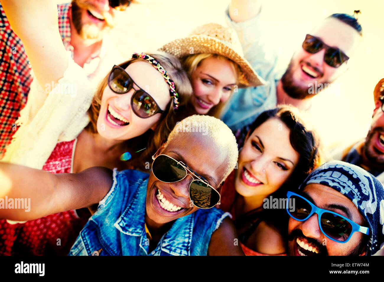 Diverses personnes Plage été amis Fun Concept Selfies Photo Stock