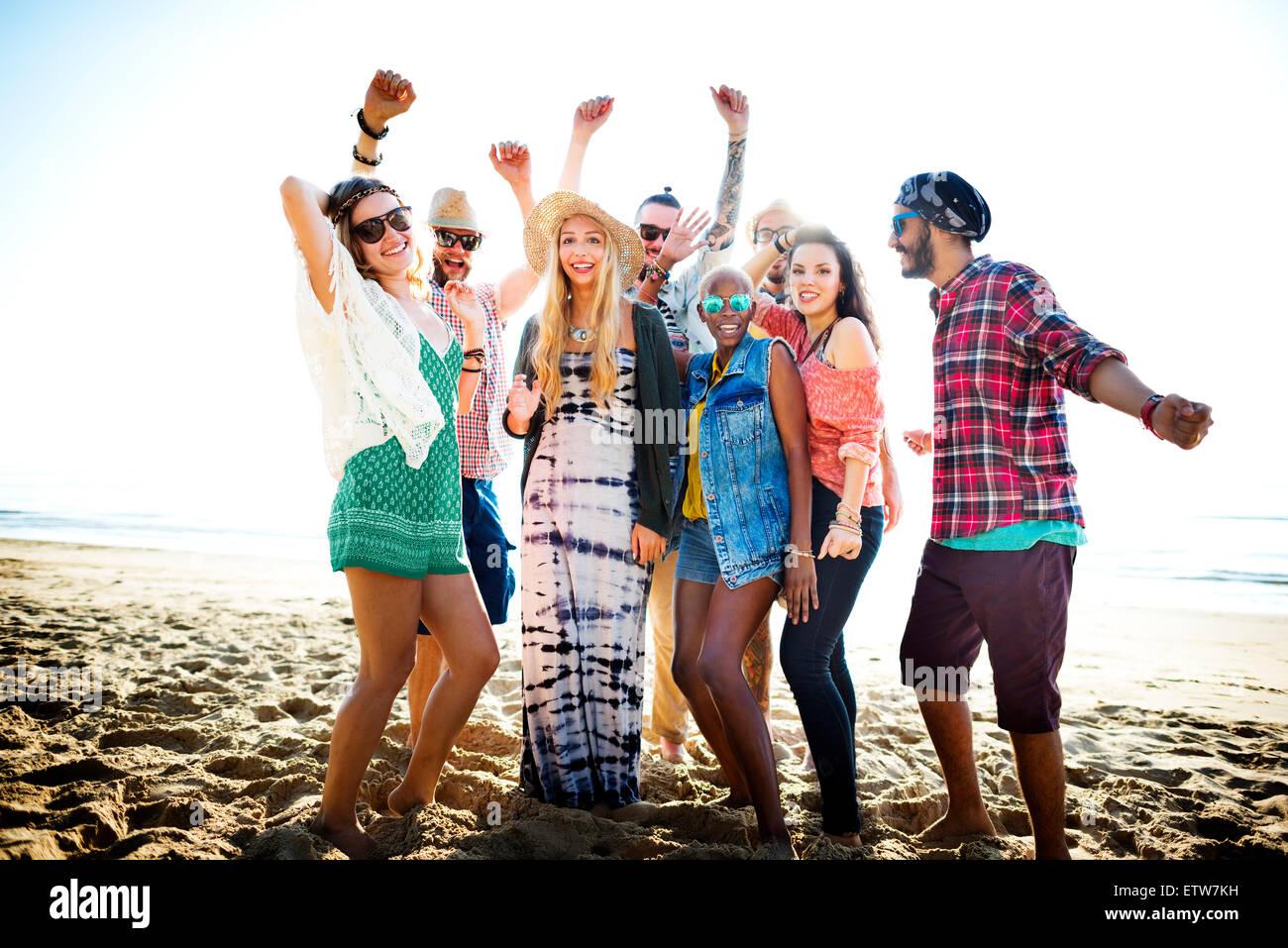 Les adolescents amis Beach Party Concept Bonheur Banque D'Images