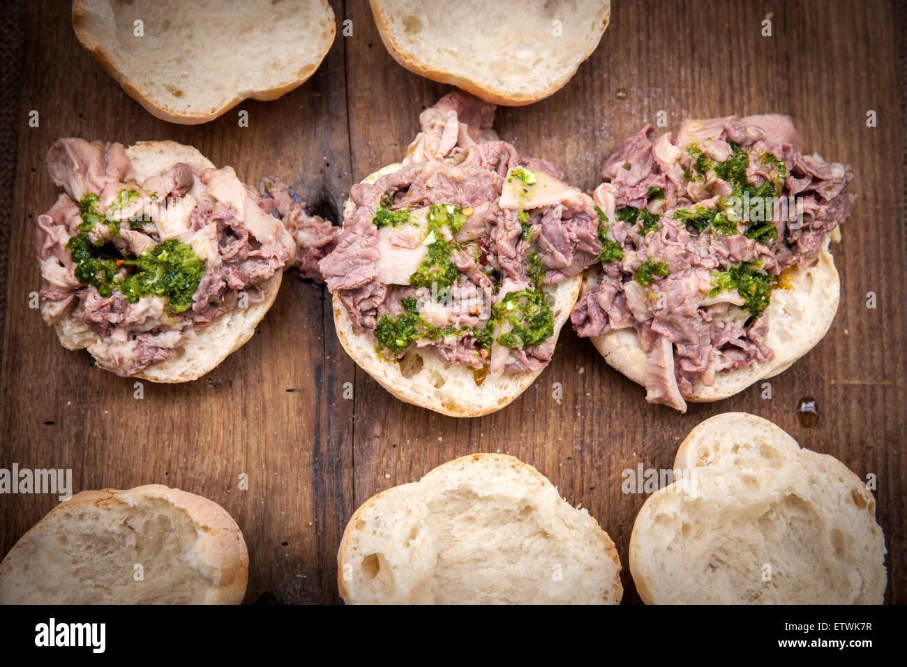 "La cuisine italienne, ""sandwich"" de la nourriture toscane typique Lampredotto Photo Stock"