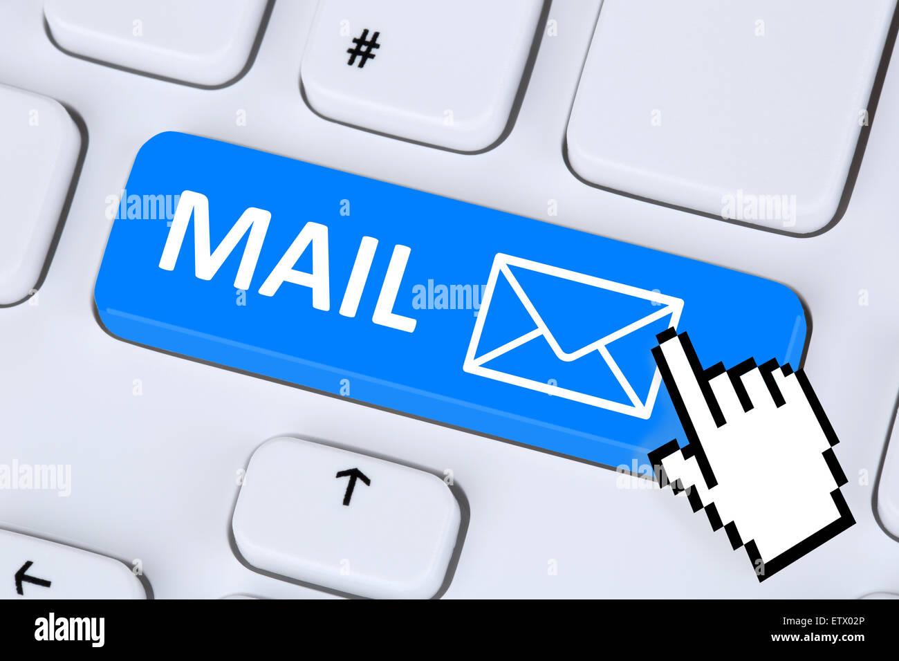 L'envoi d'E-Mail message électronique sur clavier d'ordinateur avec symbole lettre Photo Stock
