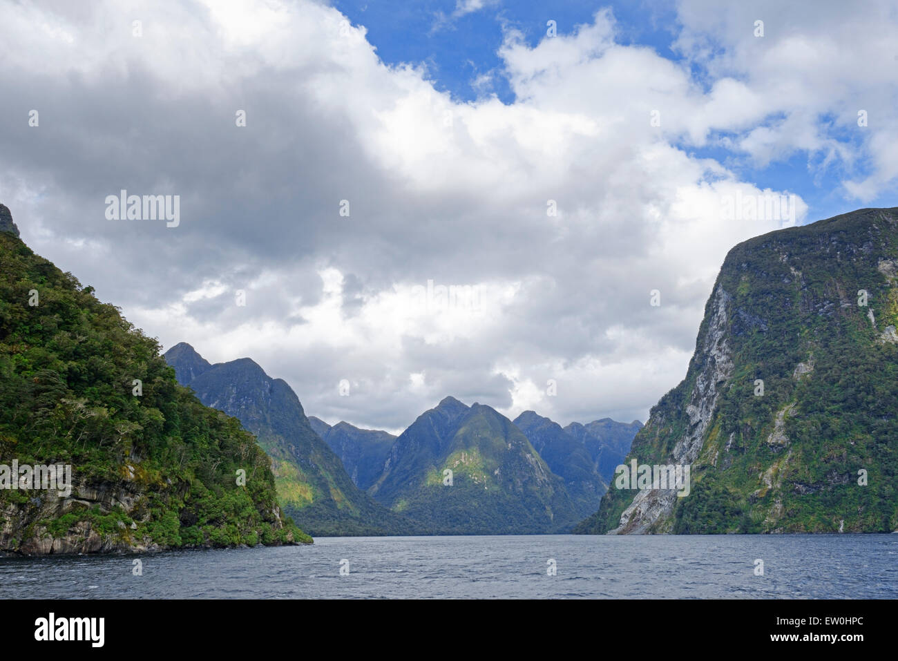 Le lac Manapouri, Fiordland National Park, Doubtful Sound, île du Sud, Southland, Nouvelle-Zélande, Australie Banque D'Images