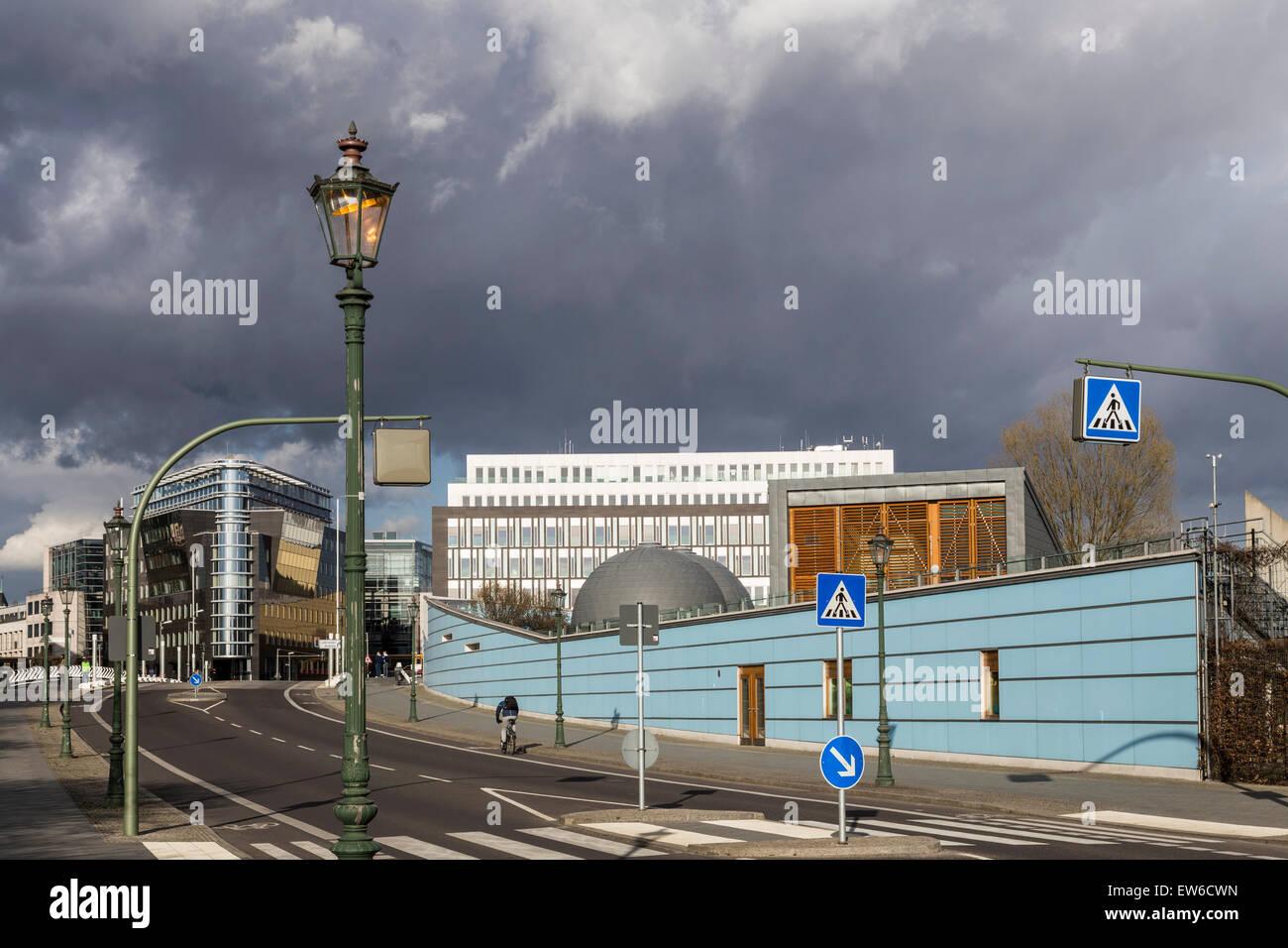 Quartier du gouvernement, l'architecture moderne, pont Calatrava, Kita, Berlin , Allemagne Banque D'Images