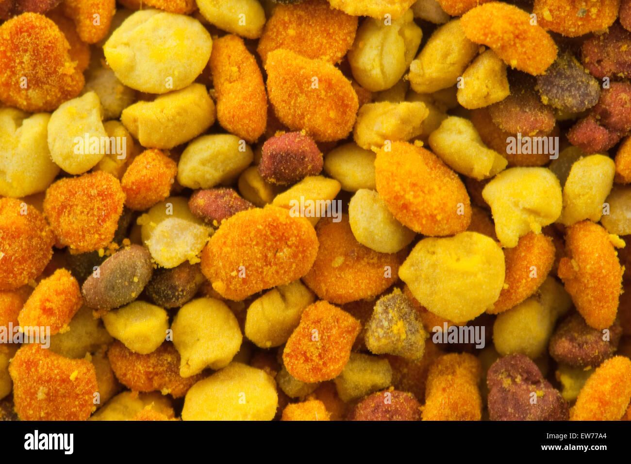 Macro closeup mélange de produits frais biologiques naturelles gros grains de pollen. Banque D'Images