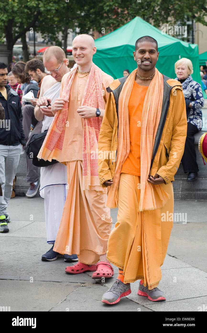 Rathayatra parade, adeptes Hare Krishna à Londres. Banque D'Images