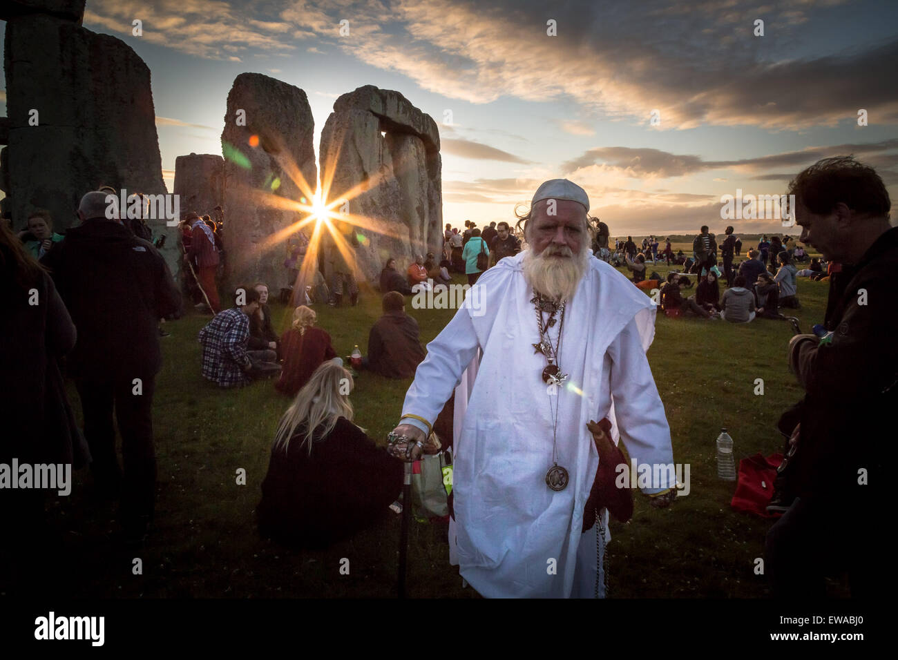 Avebury, UK. 21 Juin, 2015. Solstice d'été à Stonehenge Crédit : Guy Josse/Alamy Live Photo Stock
