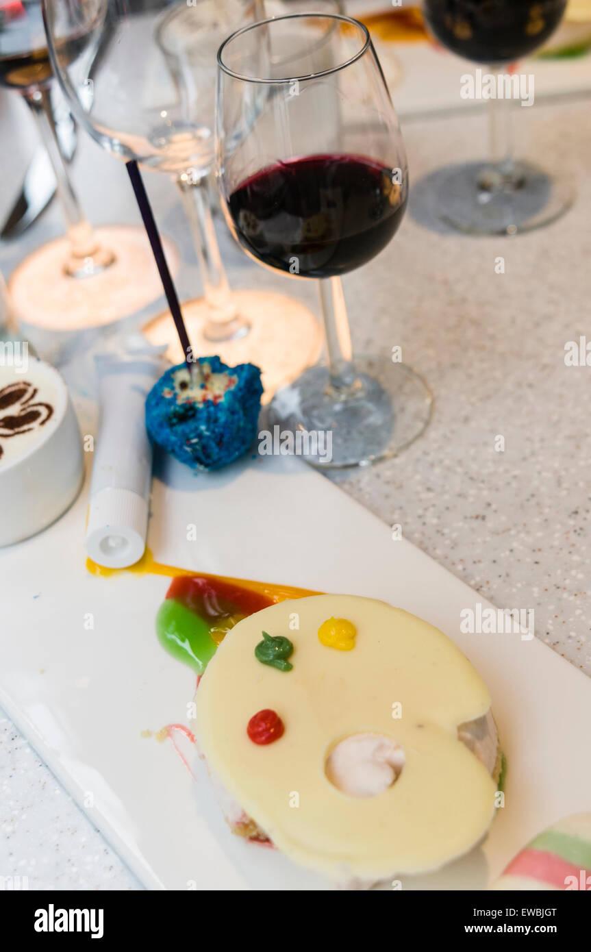 Inspiré Par Une Galerie Dart Dessert Se Compose Dune Palette Du