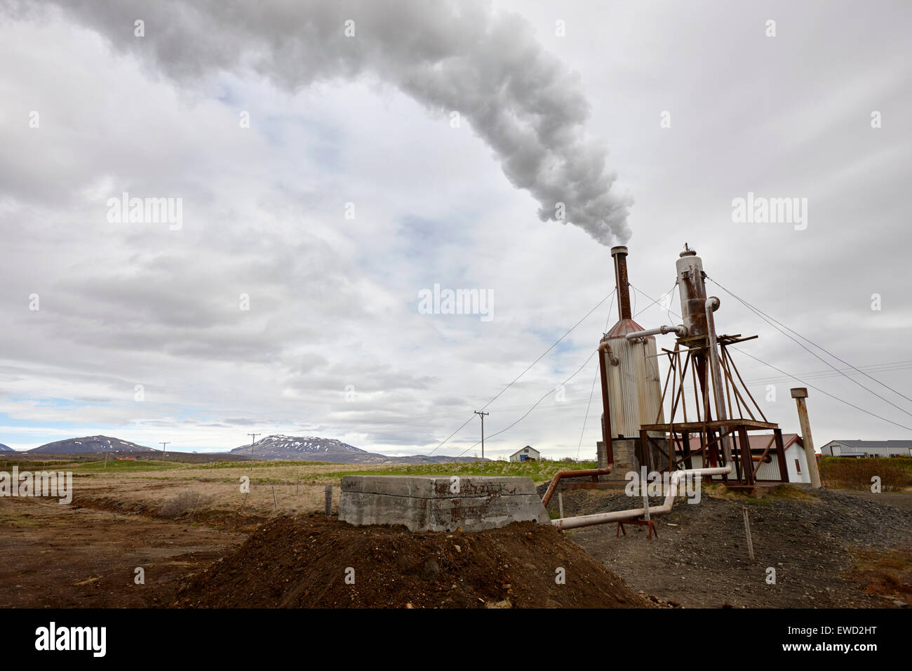 Petite communauté rurale du sud de l'usine d'énergie géothermique en Islande Photo Stock