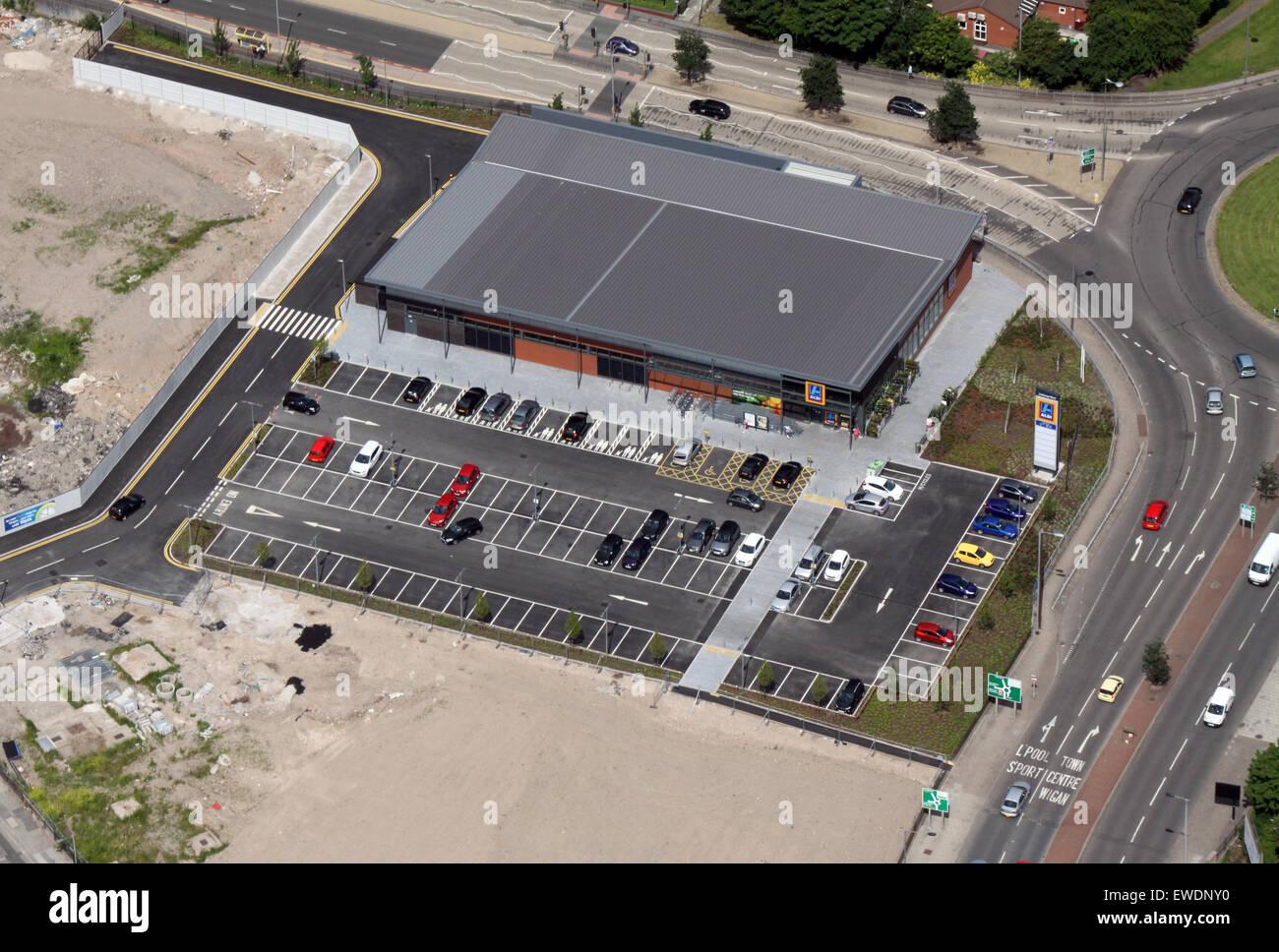 Vue aérienne d'un supermarché Aldi magasin, UK Photo Stock