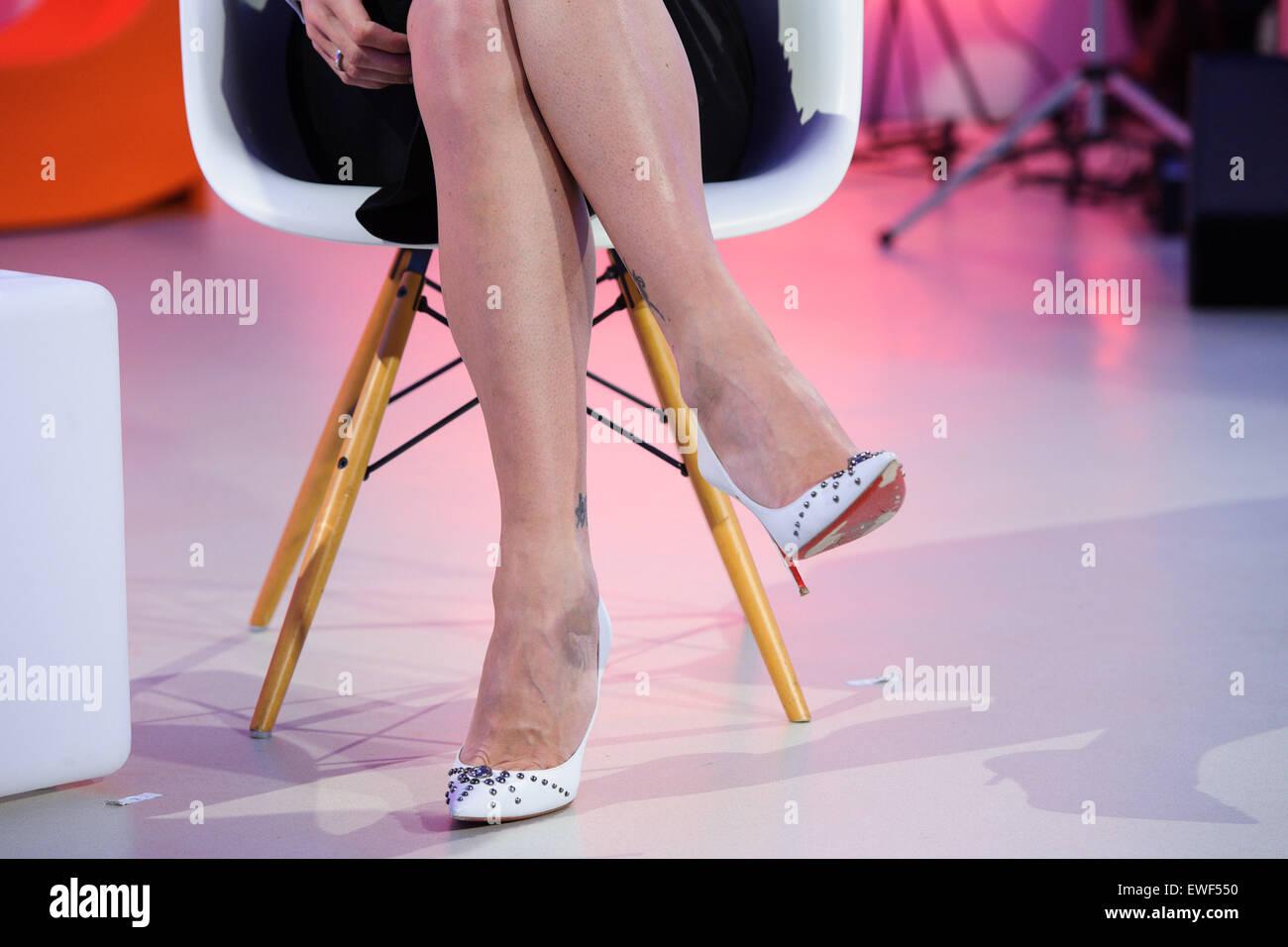 munich/allemagne - le 22 juin : un tatouage sur la jambe de l'ancien