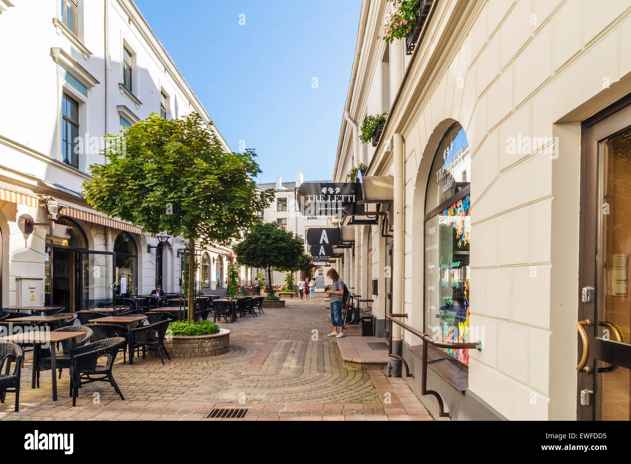 Bergs Bazaar, cour avec boutiques, Riga Lettonie Photo Stock