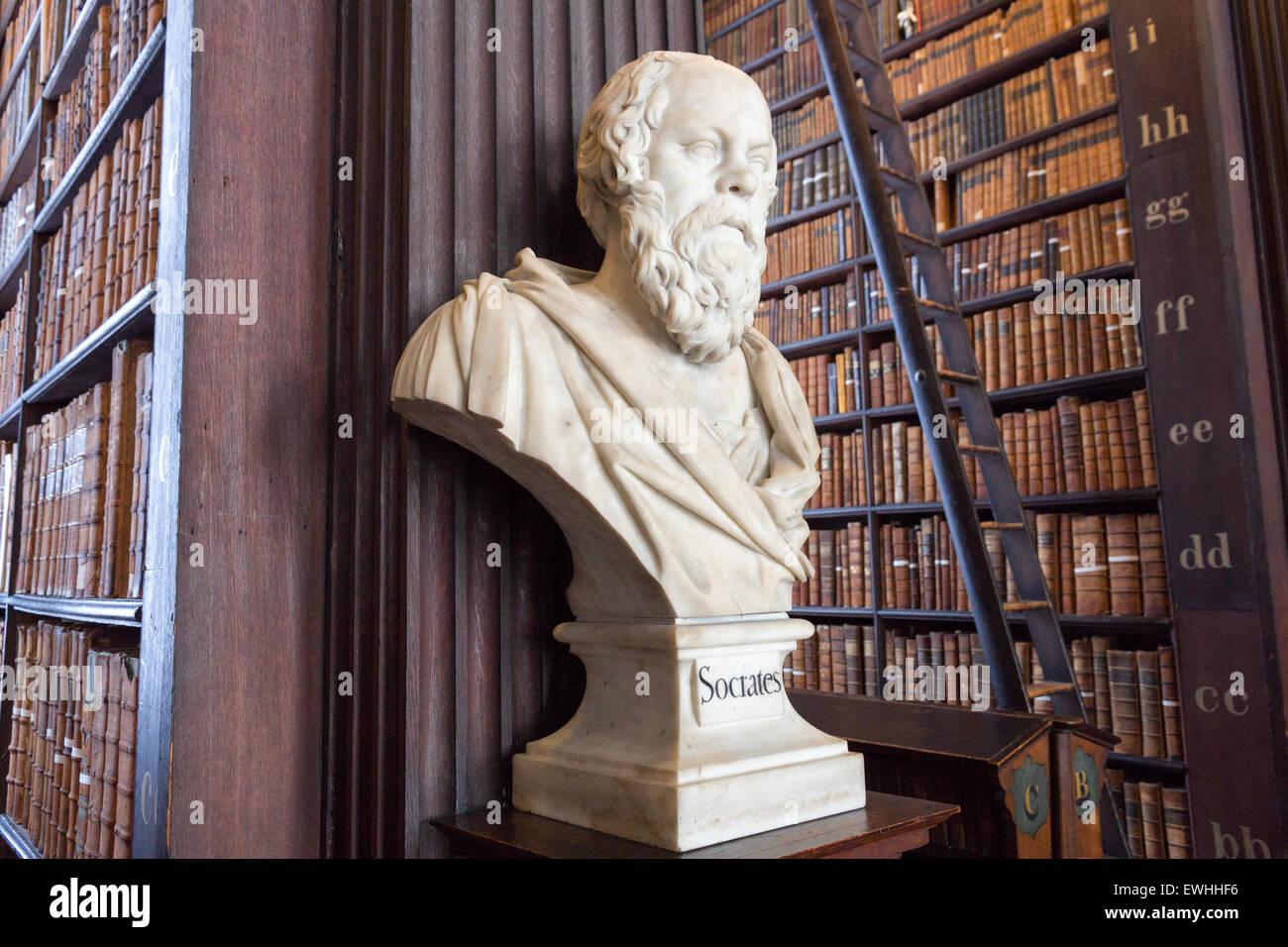 Sculpture de Socrate dans le Trinity College Library on Feb 15, 2014 à Dublin, Irlande. Banque D'Images