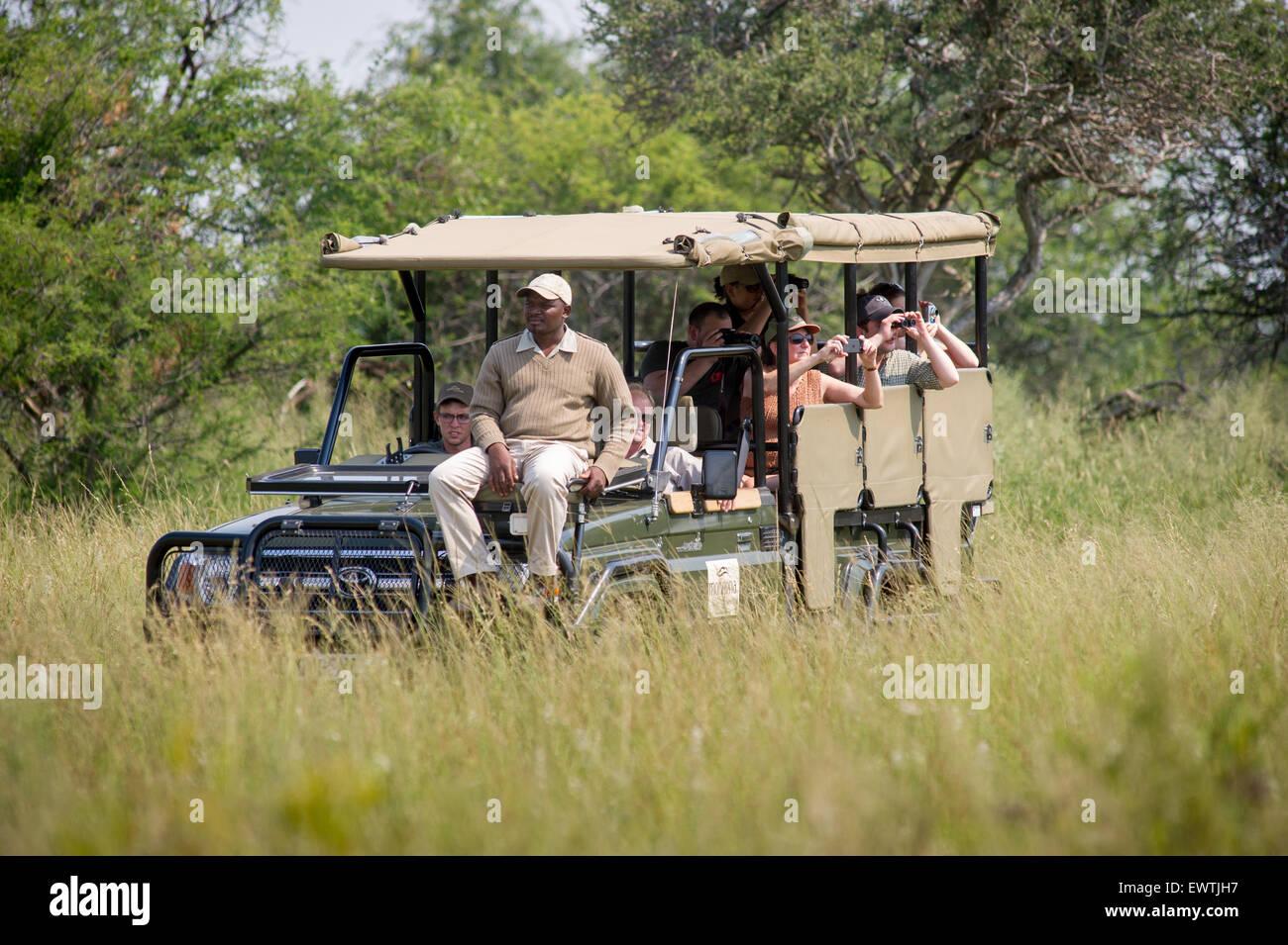 L'AFRIQUE DU SUD- Les touristes en safari dans la réserve de chasse Dinokeng Photo Stock