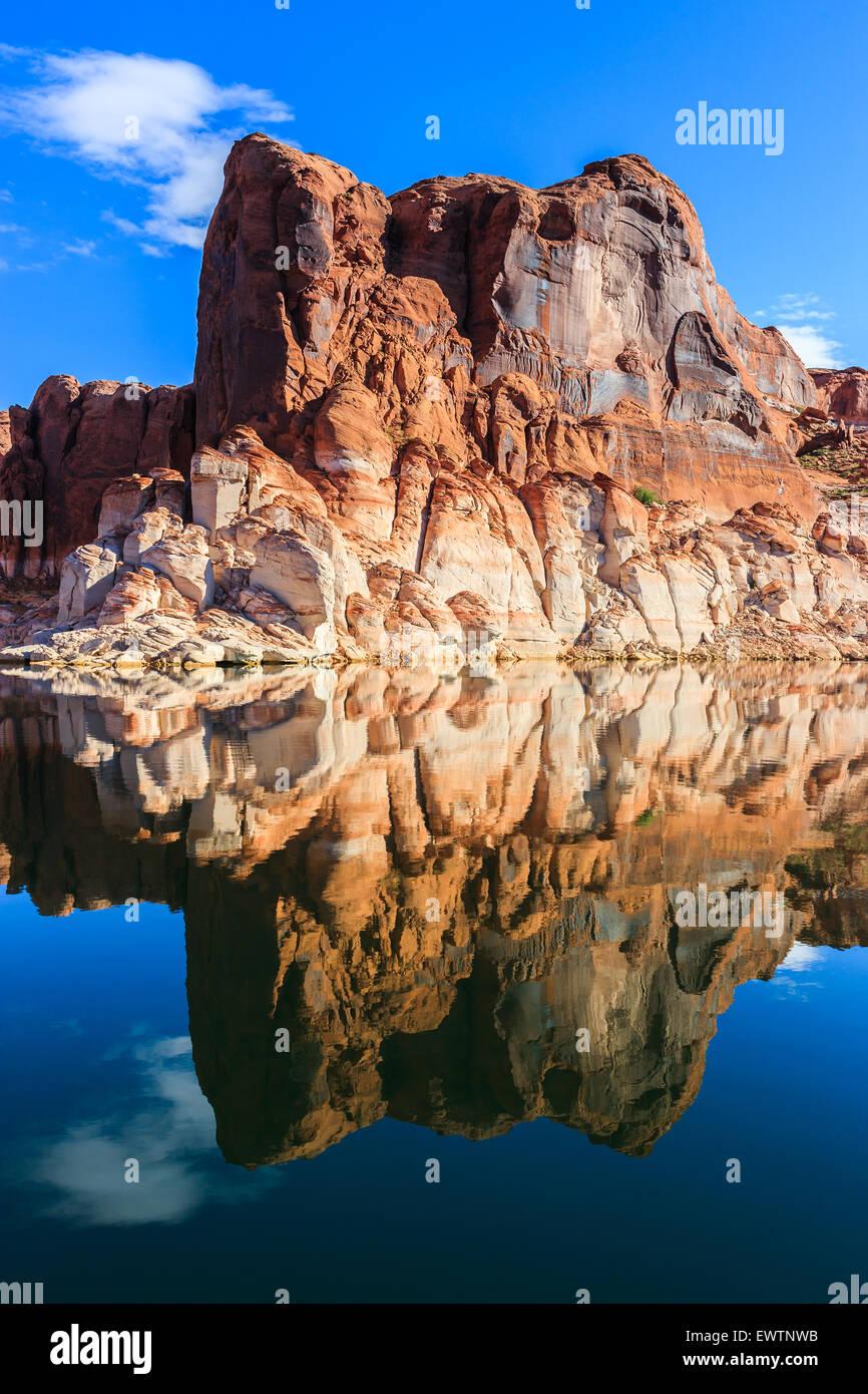 Les murs de canyon sur le Lac Powell, à la frontière de l'Arizona et l'Utah, USA Photo Stock