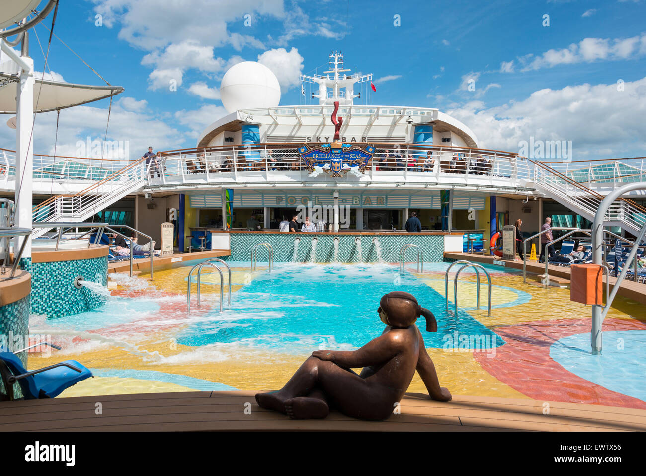 """La terrasse de 'Royal Caribbean brillance of the Seas"""", navire de croisière de la mer Baltique, dans Photo Stock"""