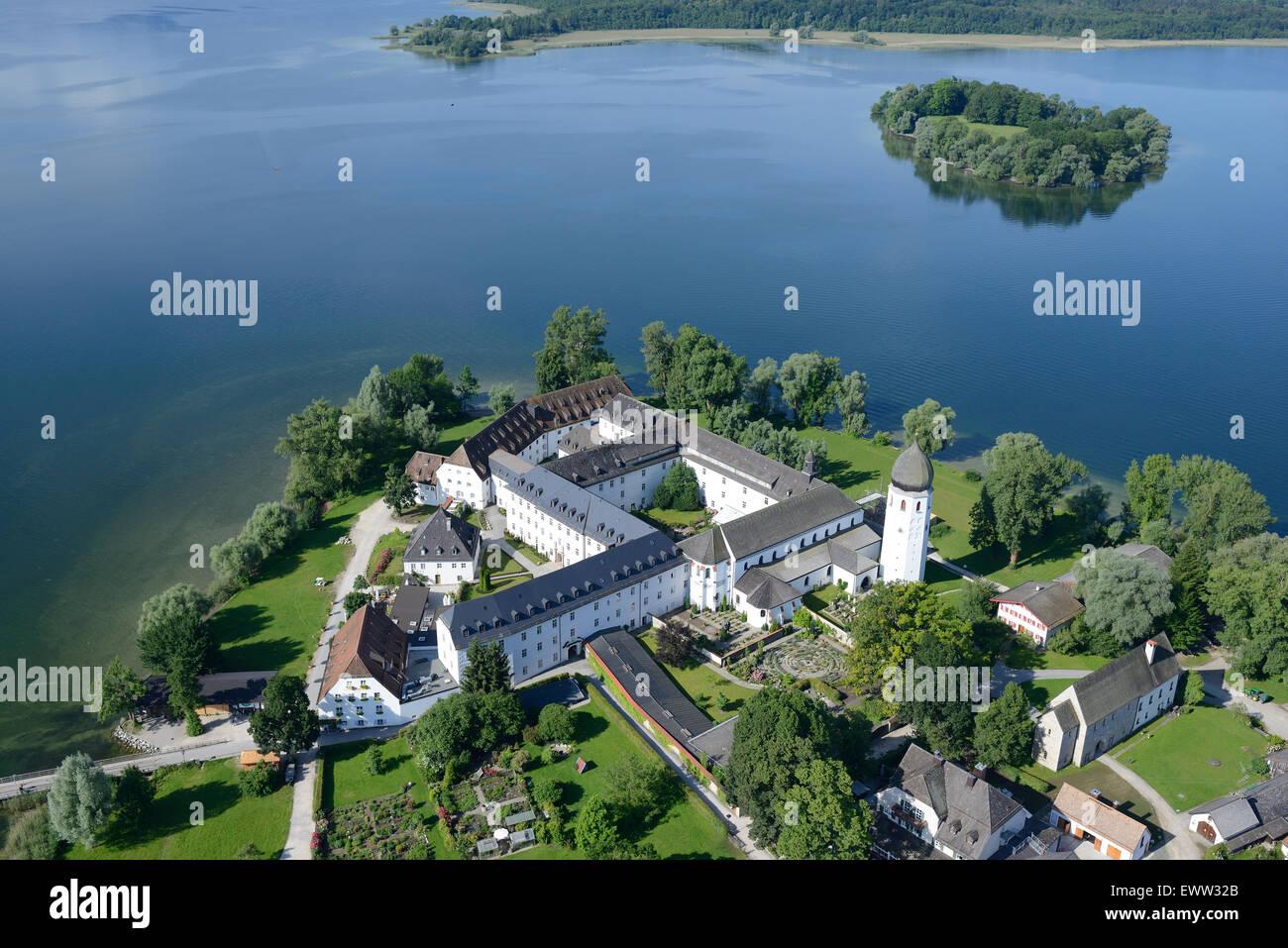 Abbaye bénédictine de FRAUENWÖRTH (vue aérienne). Frauenchiemsee (également l'île Photo Stock