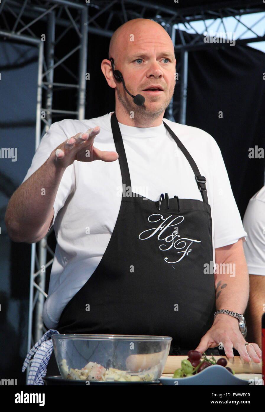 Cuisinier vedette de la télévision, tom Kerridge donne une démonstration culinaire à Chatsworth Photo Stock
