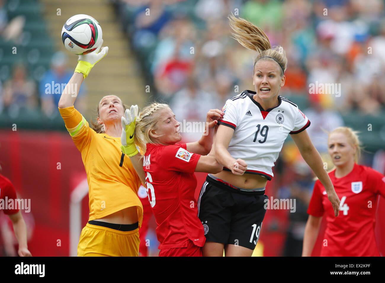Edmonton, Canada. 4 juillet, 2015. (L-R) Karen Bardsley, Katie Chapman (FRA), Lena Petermann (GER) Football/soccer: Photo Stock